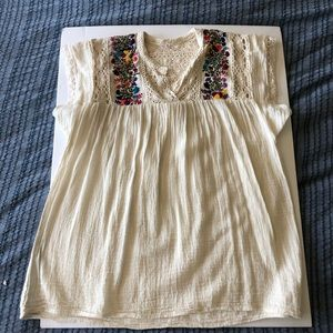 Tops - Embroidered gauze ivory Mexican peasant top M